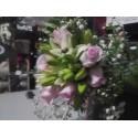 Ramo de novia Rosa color rosa y Lilium en blanco